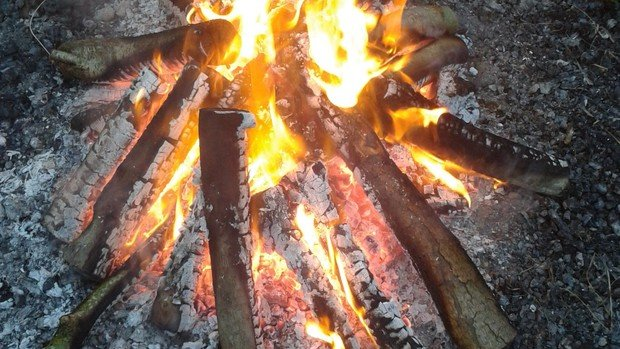 Linde: Osterfeuer