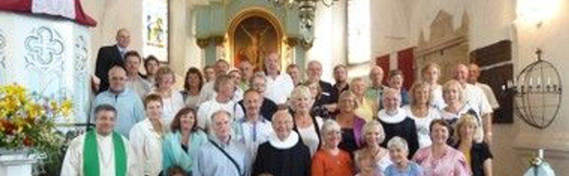 Højmesse ved Vibeke Tuxen og festgudstjeneste med venskabsmenigheden fra Letland