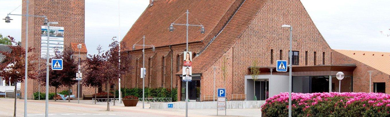 Højmesse - Brønderslev Kirke. Fyld DK´s kirker