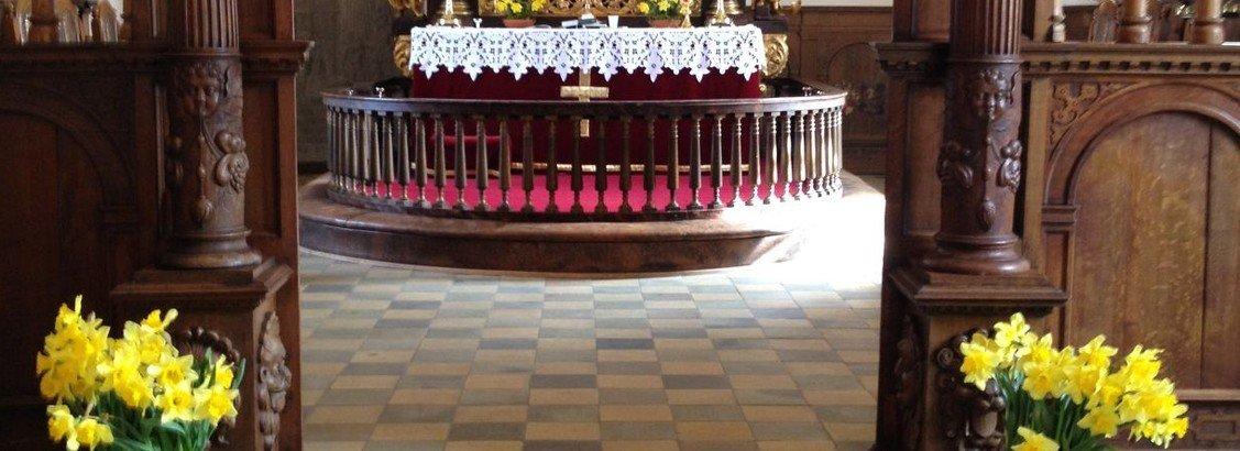 Valløby Kirke, palmesøndagsgudstjeneste med konfirmander