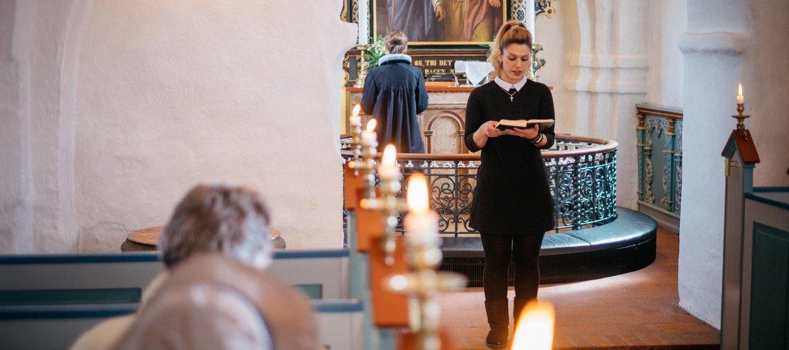 Højmesse med dåb i Ganløse Kirke ved Marianne Fries Jørgensen
