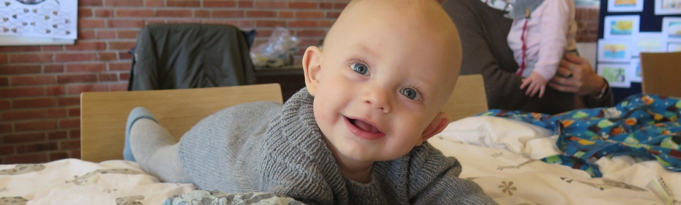 Babysalmesang - Nyt hold starter