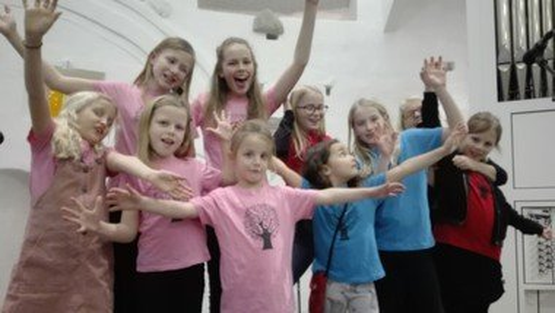 AFLYST singing superkids