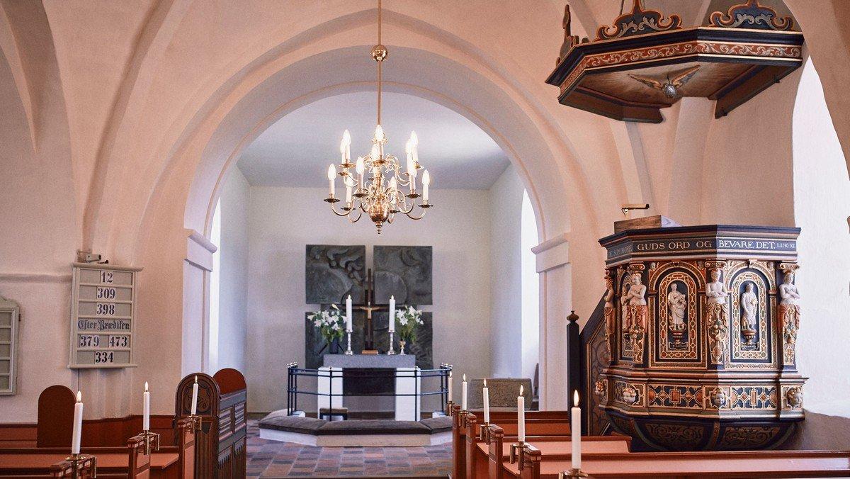 Højmesse med dåb i Slagslunde Kirke ved Peter Otken