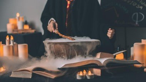 """""""Harry Potter und Religionsunterricht"""" Familiengottesdienst mit Einführung von Pfarrer Michael Hufen als Schulpfarrer"""