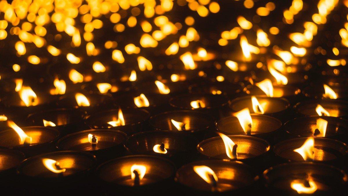 Ewigkeitssonntag: 1. Gottesdienst mit Gedächtnis der Entschlafenen