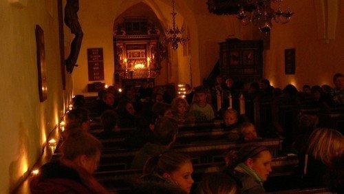 Aftensang i Haverslev Kirke omkring fredslys