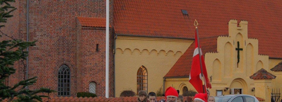 Gudstjeneste med juletræstænding Vallø