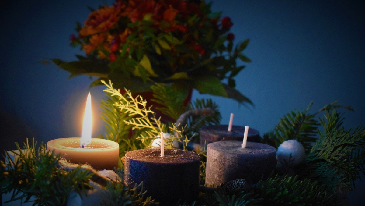 Familiegudstjeneste m/ Lucia og julestue i sognegården