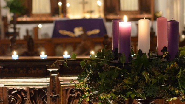Advent Candlelit Carol Service