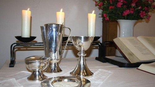 Gottesdienst mit Abendmahl in Matthias-Claudius mit Gospelchor
