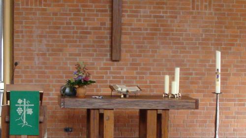 Freiluftgottesdienst an der Südseite der Friedenskirche