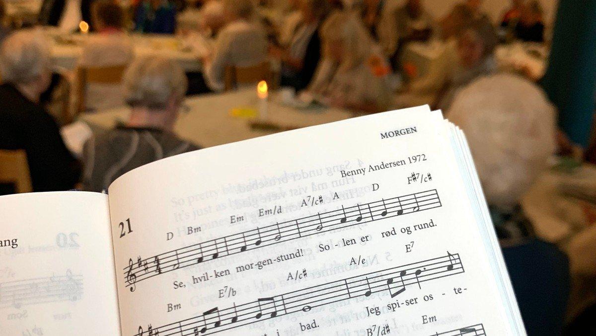 Tirsdagskreds: Stemmer af fællesskab og toner fra Beethoven
