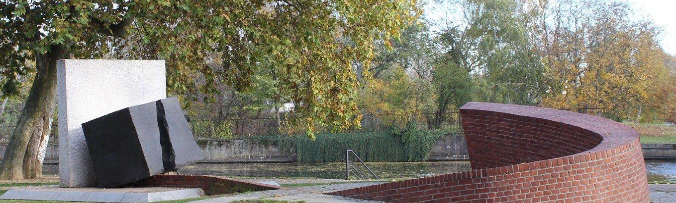Gedenkstunde am Mahnmal für die zerstörte Spandauer Synagoge und die Spandauer Opfer der Shoah