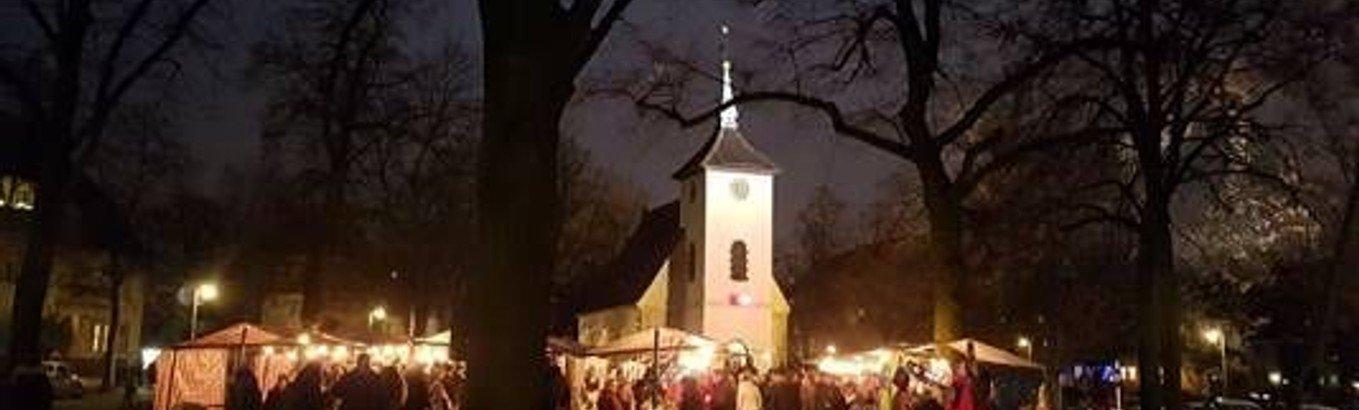 14. Ökumenischer Adventsmarkt mit Posaunenchor und Chorgesang