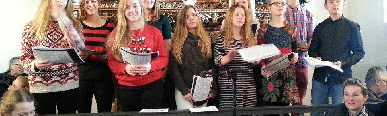 Sommer Fællessangskoncert med Karlslunde Kirkes Ungdomskor