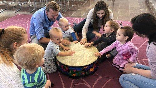 Rytmik og salmer, musikalsk legestue for for 1-6 årige