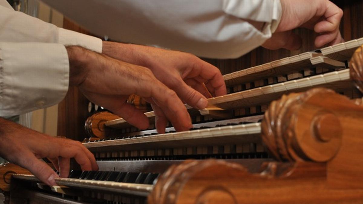 """Orgelkonzert  """"Orgel zu 4 Händen und 4 Füßen"""""""