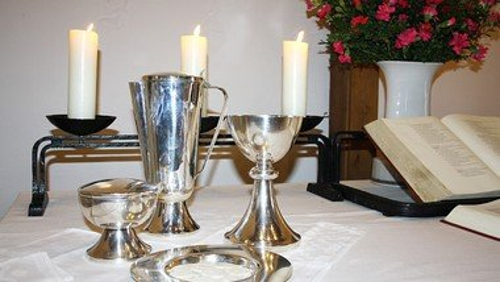 Gottesdienst mit Abendmahl in Matthias-Claudius