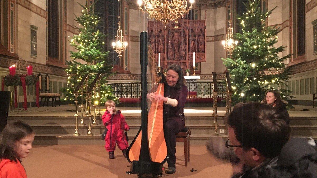 Julekalender - Harpespil så englene synger
