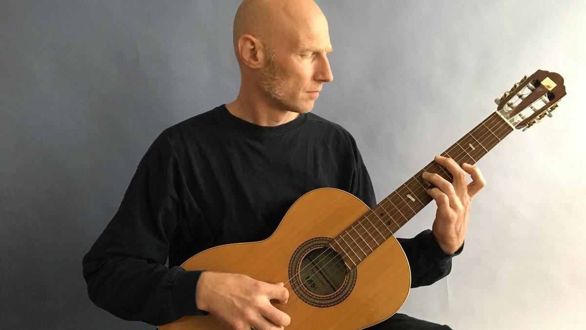 Natkirke v/ Susanne Møller Olsen med guitarist Niels Vejlyt