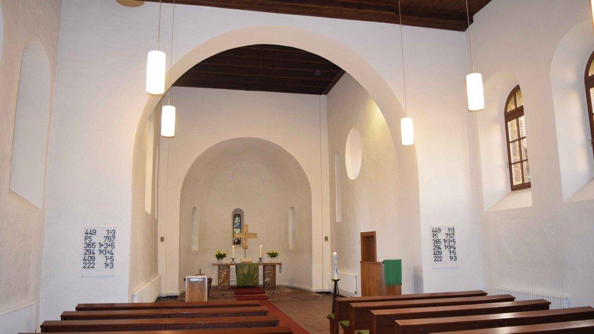 Gottesdienst mit Kinderchor in der Dorfkirche Schönefeld