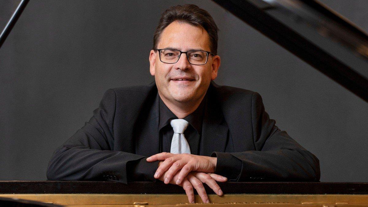 Klaverkoncert med Claus Zielke