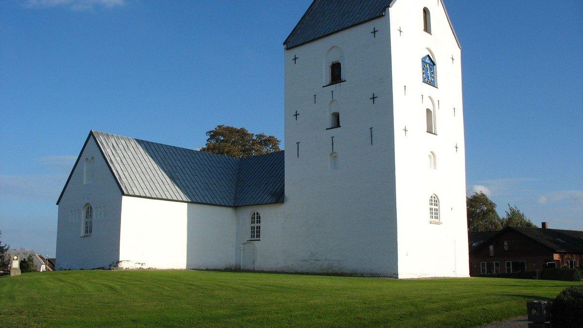 Gudstjeneste i Gjerrild Kirke