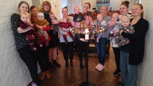 Babysalmesang i kirken AFLYST
