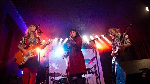 Syng fra højskolesangbogen med Mikkeline & Flux