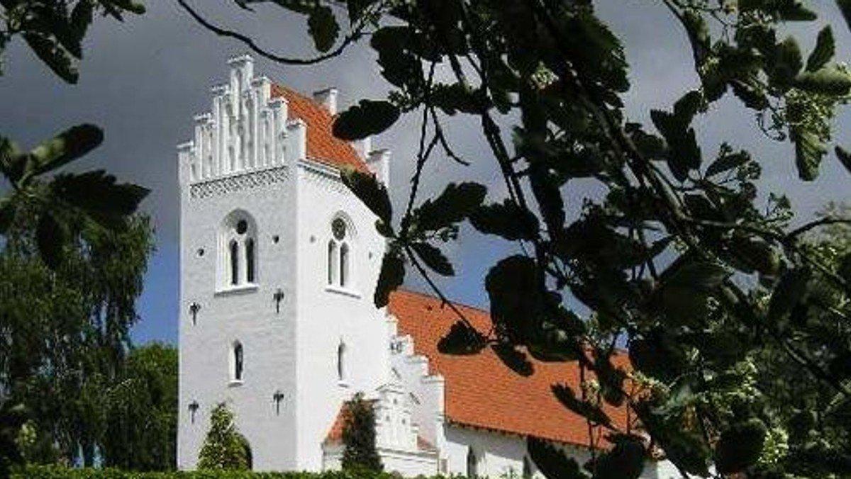 Kr. Himmelfartsdag åbner Dybbøl kirke igen med gudstjeneste uden nadver.