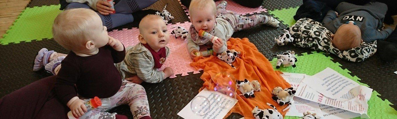 AFLYST Babysalmesang kl. 10.00 pga. corona