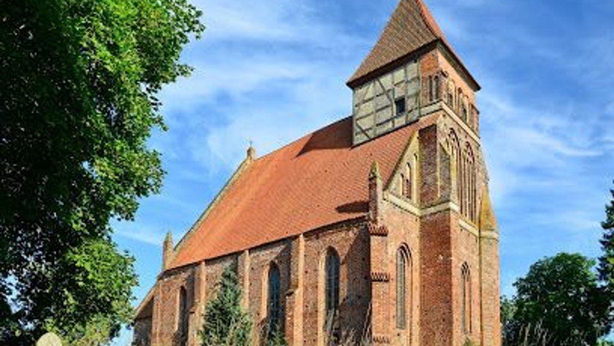 Sonntagsmesse in Brandshagen