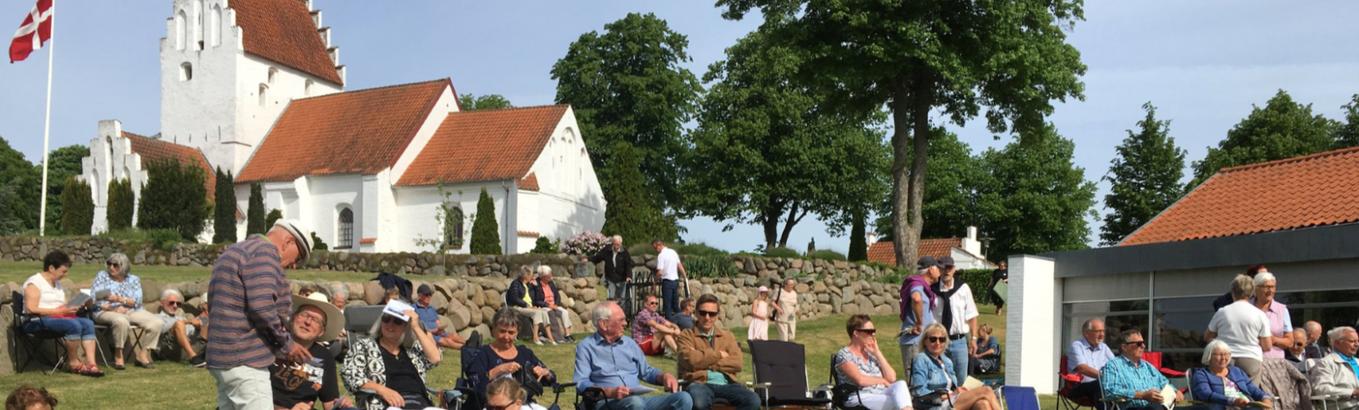 Friluftsgudstjenste ved  Bellinge Kirke