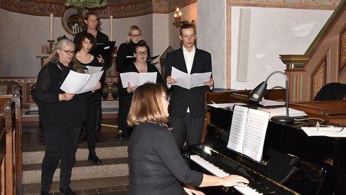 Julekoncert med kirkens kor - Husk tilmelding