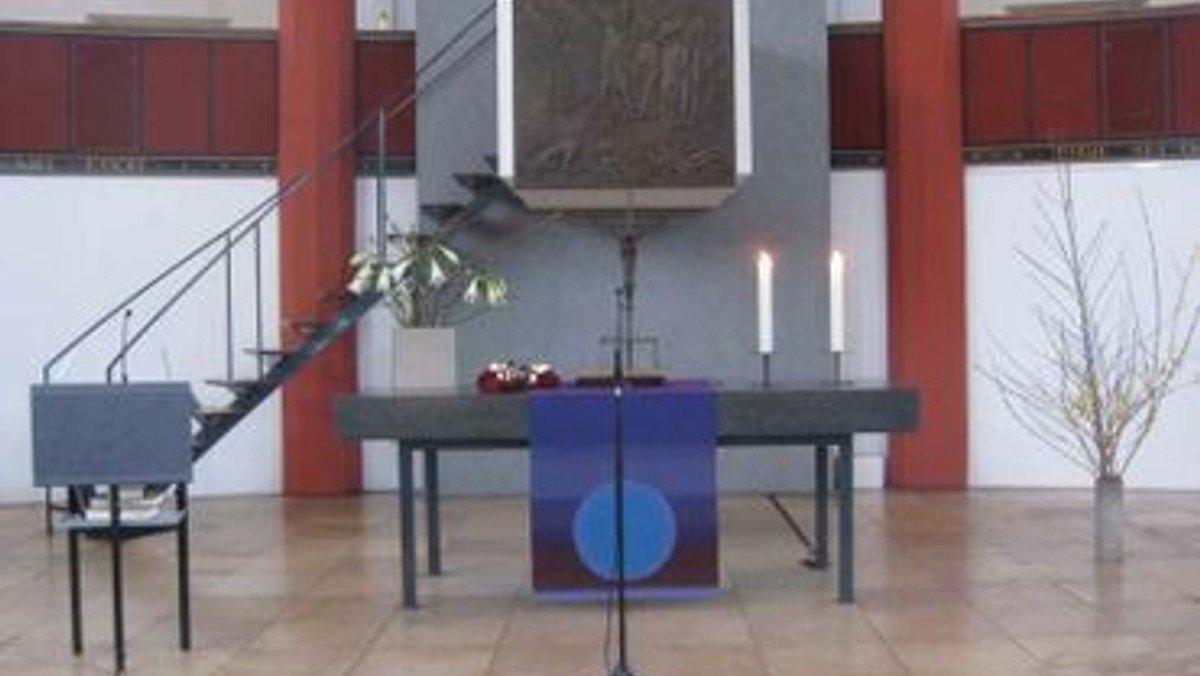 Gottesdienst in der Kirche auf dem Tempelhofer Feld