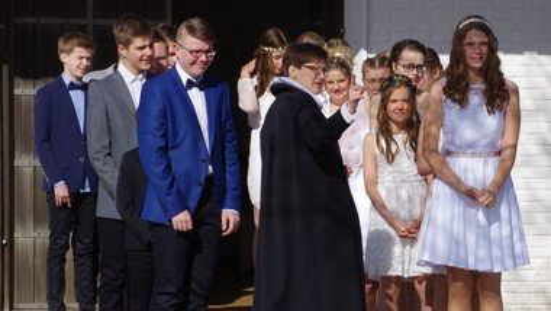Højmesse/  v. Bente Hjul Johannessen