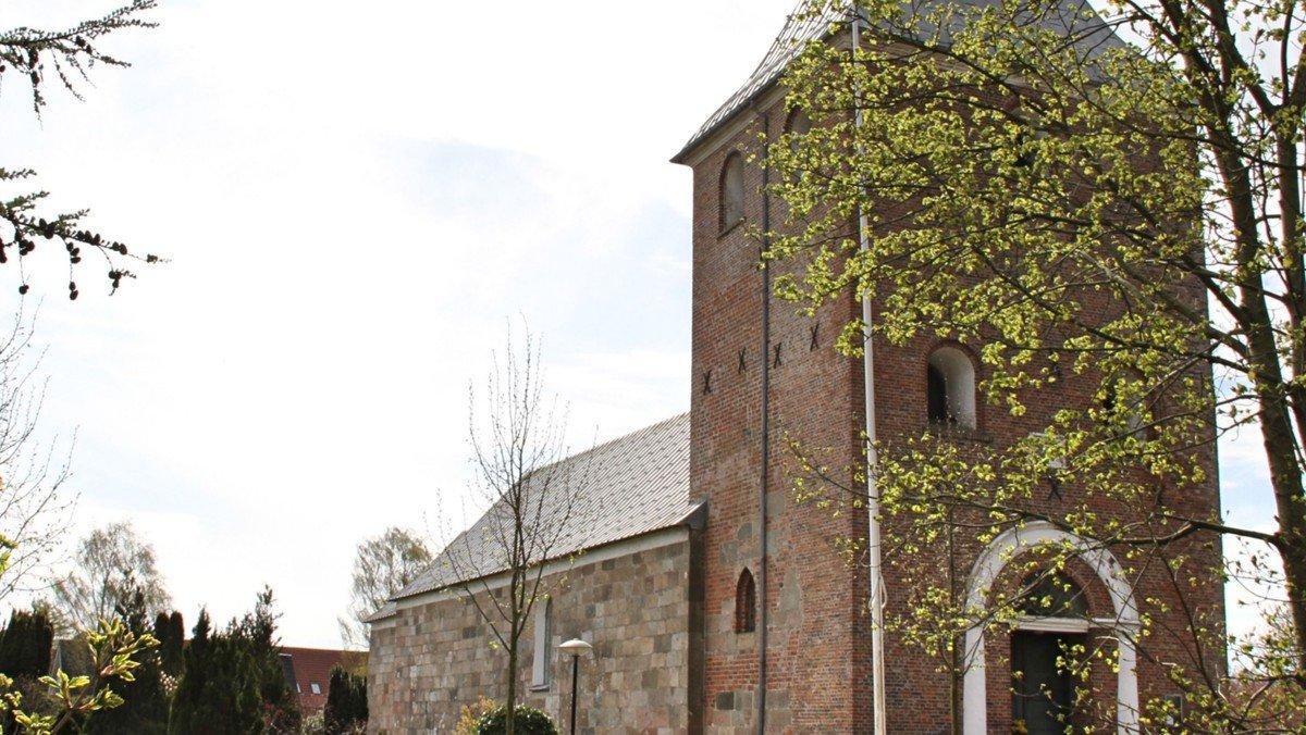 Fole Kirke: Gudstjeneste v. Gjesing