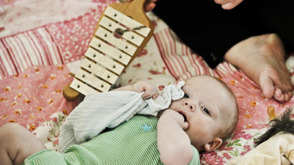 Babysalmesang 2-6 måneder