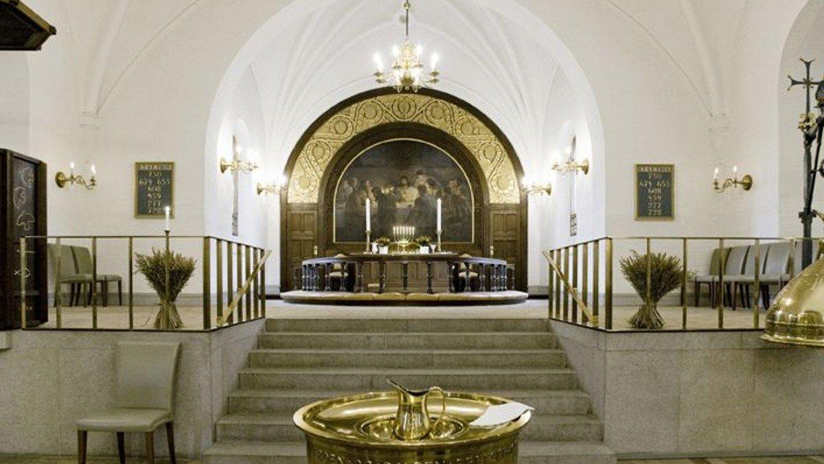Gudstjeneste - Palmesøndag - dåb flyttes til 11.30 - hvis højsmesse stadig 30 min.