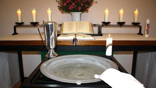Gottesdienst mit Taufe in Matthias-Claudius