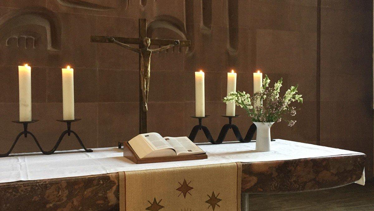Offene Kirche an Pfingsten mit zwei kurzen Gottesdiensten um 10:15 und gegen 11:15 - mit Abendmahl