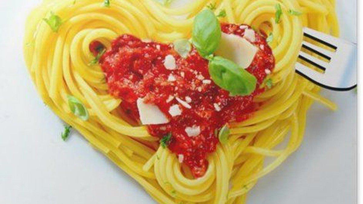 AFLYST: Gud & Spaghetti