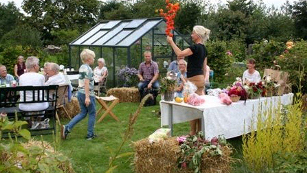 Høstgudstjeneste med suppe og høstauktion i præstegårdshaven