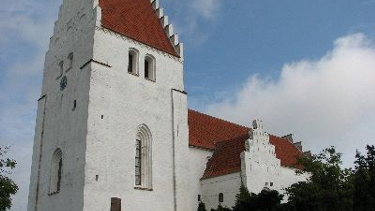 Gudstjeneste i Elmelunde Kirke ved Lene Skov Opsahl med dåb
