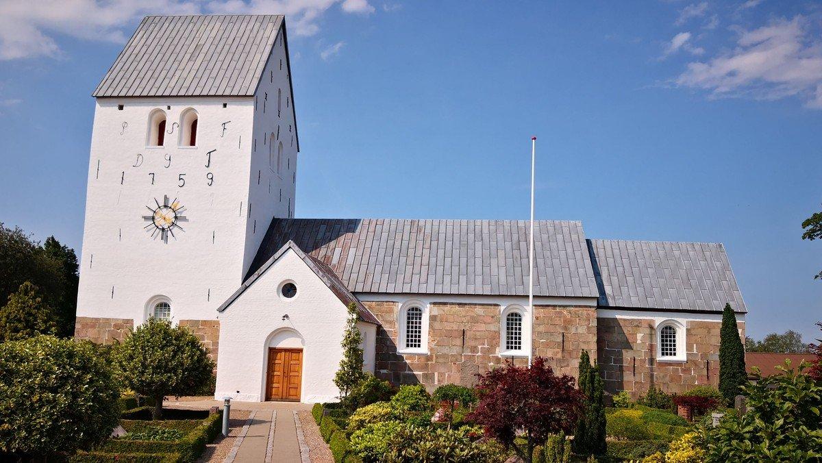 Konfirmandgudstjeneste i Hellevad Kirke