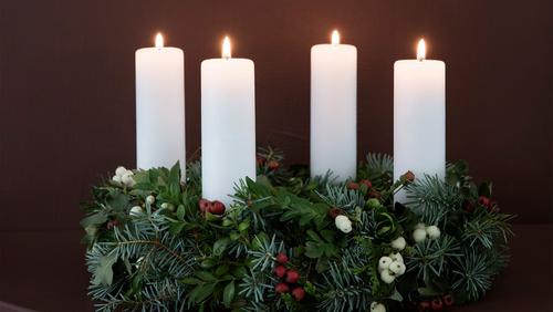 Julegudstjeneste,  kl. 13:30 i  Idrætssalen Ørstedvej 63B (Den tidl. Peder Syv Skole)