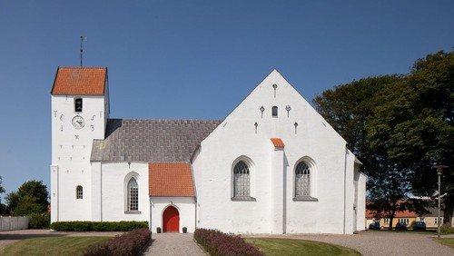 Gudstjeneste i Nibe kirke (dåb i gudstjenesten).