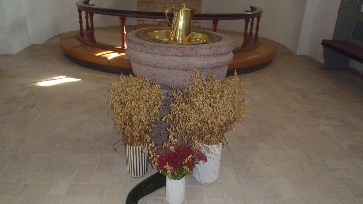 Høstgudstjeneste Billum med dåb