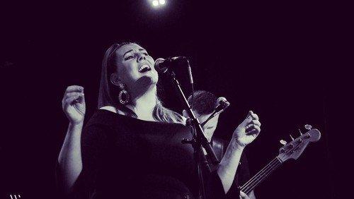 Koncert med Linda Andrews